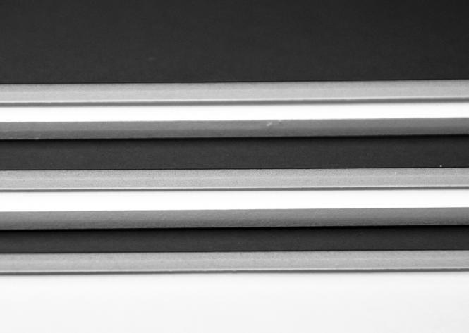 Χαρτόνι μακέτας 50 χ 70 δίχρωμα (μακετόχαρτο σάντουιτς ''foam board'') Λευκό - Μαύρο